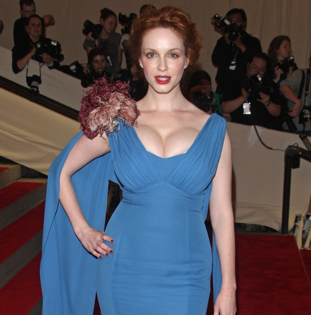 kristina-hendriks-christina-hendricks-na-metropolitan-museum-of-art-costume-institute-gala-2010_3