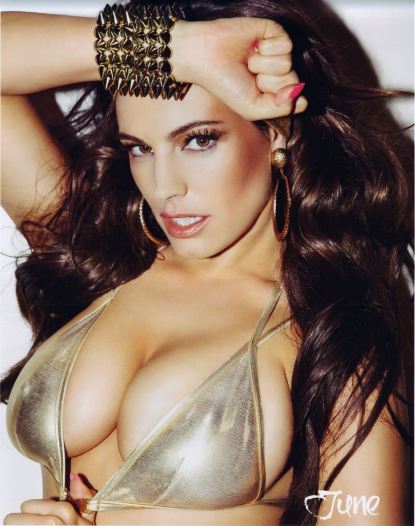 kelly-brook-sexy-official-2013-calendar-photos-007
